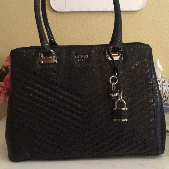 Guess Handbags - Guess Black Handbag 0614af52c7829